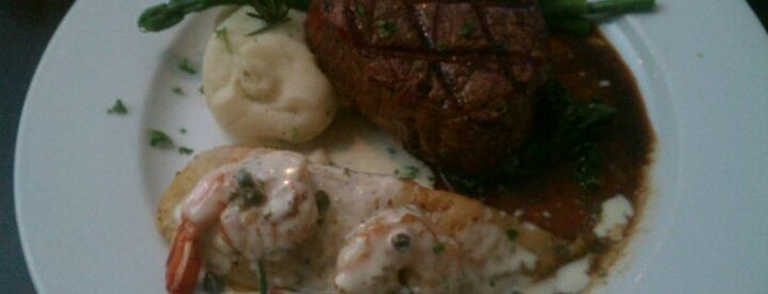 Saltwater Grill is one of The 15 Best Places with a Happy Hour in Galveston.