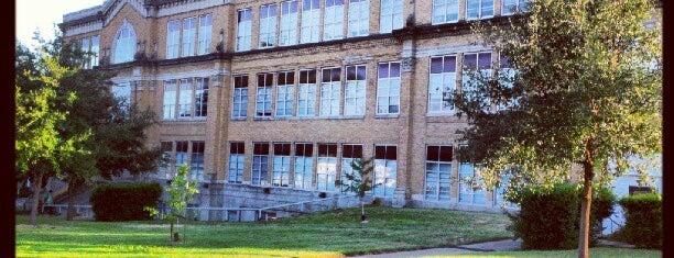 ACC Rio Grande is one of School Spots.