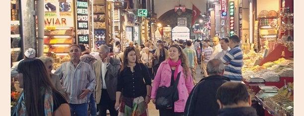 Mısır Çarşısı is one of Istanbul - En Fazla Check-in Yapılan Yerler-.