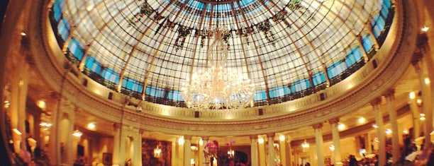 "The Westin Palace is one of Ruta por el Madrid de la novela: ""EL ESCALON 33""."