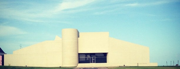 Art Museum of South Texas is one of Corpus Christi to-do.