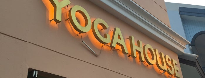 Yoga House is one of The Circle Ratchapruk.