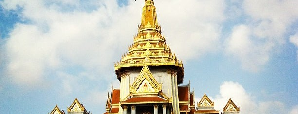 Wat Traimitr Withayaram is one of bangkok.