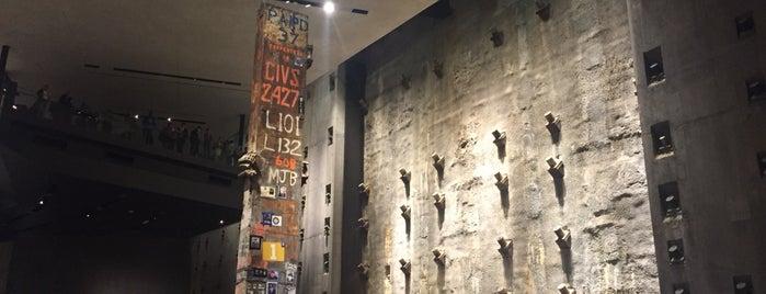 National September 11 Memorial & Museum is one of Museen.