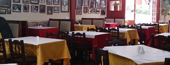 Moros Y Cristianos is one of Restaurantes visitados.