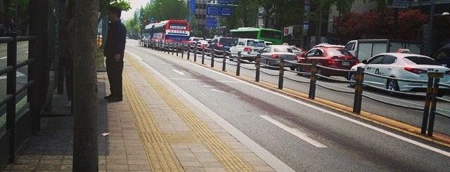 숙대입구역 (03-009) is one of Bus Stop.