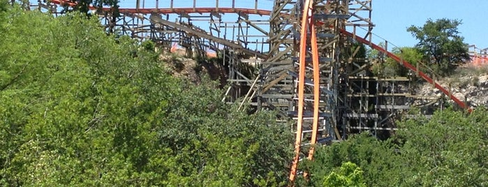 Iron Rattler is one of ROLLER COASTERS.