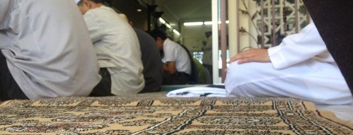 Masjid Jamek Haji Mat Saman is one of Baitullah : Masjid & Surau.