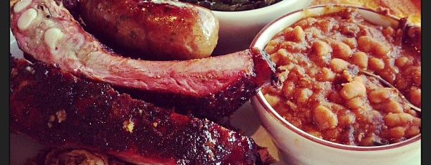 Podnah's Pit BBQ is one of The 15 Best Places with Good Service in Portland.
