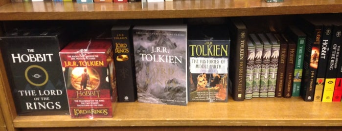 Barnes & Noble is one of Favorite affordable date spots.
