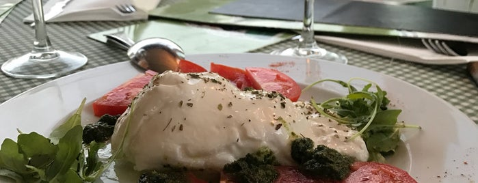 Restaurante Casanova is one of comer.