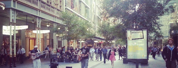 Pitt Street Mall is one of Around The World: SW Pacific.
