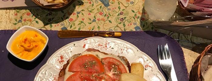 Besar es Obligado is one of Lugares para comer.