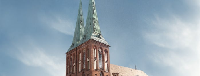 Nikolaikirche is one of Schlüter in Berlin.