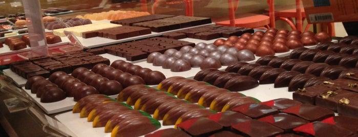 Cau Chocolates is one of Docerias/Sobremesas.