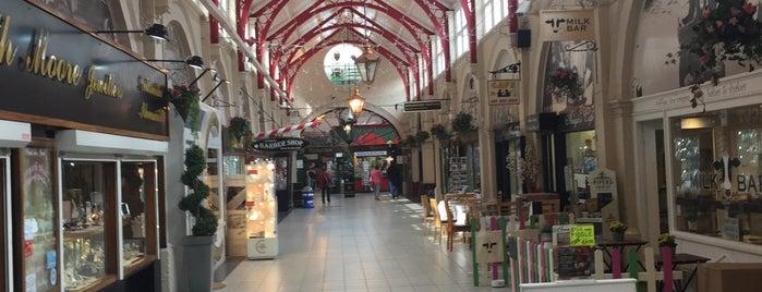 Victorian Market is one of Summer in London/été à Londres.