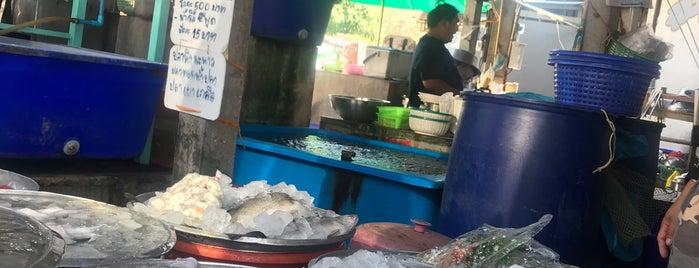 เจ๊ตู๋ ครัวทะเล is one of Yummy.