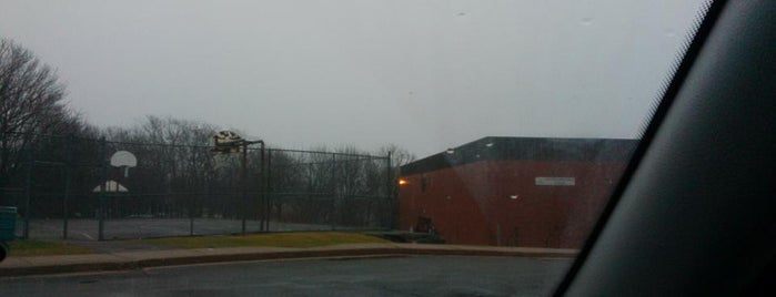 Central Spryfield Elementary School is one of Frequent Places.