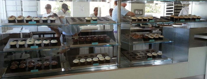 Crave Cupcakes is one of Houston Press 10x (100%).