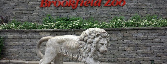 Brookfield Zoo is one of Chicago.