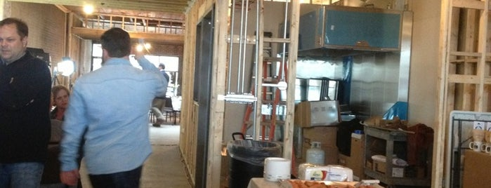 Mugs Cafe is one of I-40 Coffee Trail.