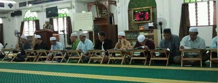 Masjid Klang Gate is one of masjid.