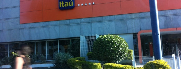 Itaú is one of BarraShopping.