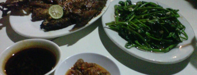 D'Cost Seafood is one of Nanda's All Favorite♥♚.