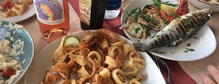 Al Porticciolo is one of sicilia.