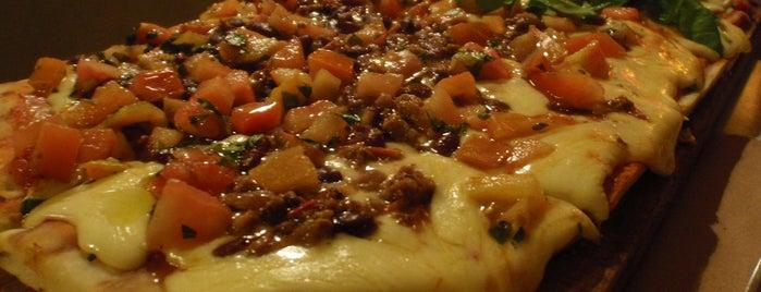 La Más Querida is one of Lugares para comer.