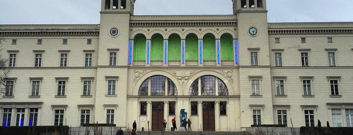 Hamburger Bahnhof - Museum für Gegenwart is one of Travel Guide to Berlin.