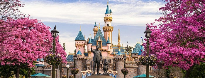 Disneyland Park is one of I Want Somewhere: Sights To See & Things To Do.