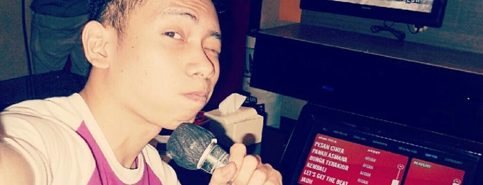 Orange Karaoke is one of Karaoke Lounge in Makassar.