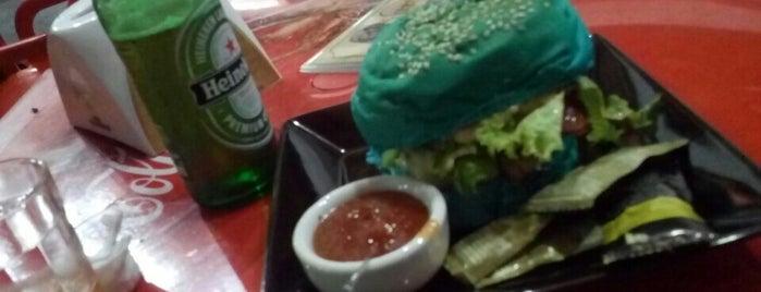 Escangalho Gourmet is one of locais.