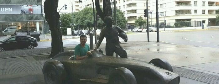 Monumento a Juan Manuel Fangio is one of En la Ciudad.