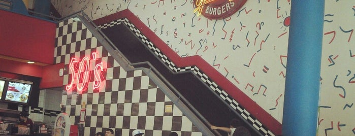 Burger King is one of Lugares que visité.