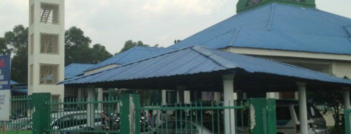 Masjid Jamek Fastabiqul Khayrat is one of Baitullah : Masjid & Surau.