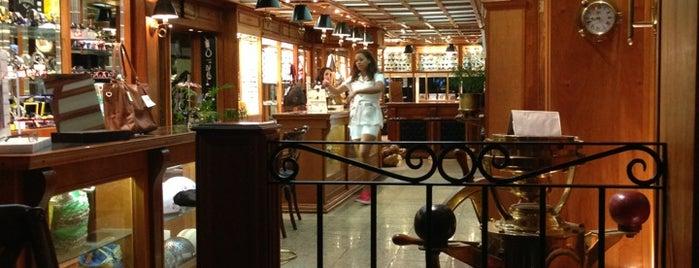 Free Port Café is one of Café & Boulangerie.