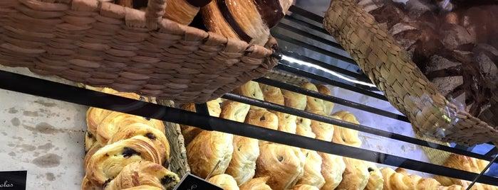 Oh La La! Panadería Francesa is one of Being here.
