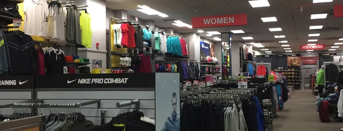 Modell's Sporting Goods is one of Expendables 2.