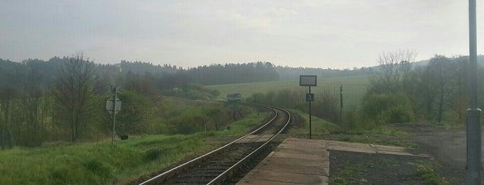 Železniční zastávka Hostěnín is one of Železniční stanice ČR: H (3/14).