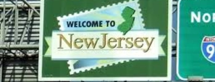 Delaware / New Jersey State Border is one of Marina ( sissy).