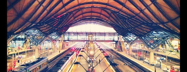 Southern Cross Station is one of Social around the world.