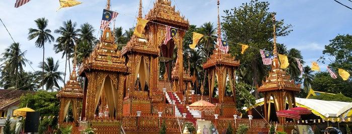 Wat Maisuwankhiri is one of Wat.