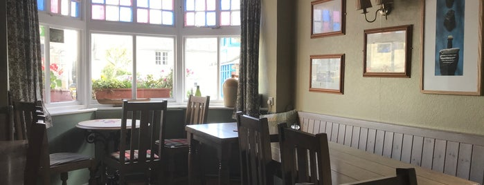 The King's Arms is one of Tupshole.