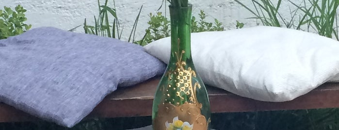 CRU Wine & Deli is one of GUADALAJARA.