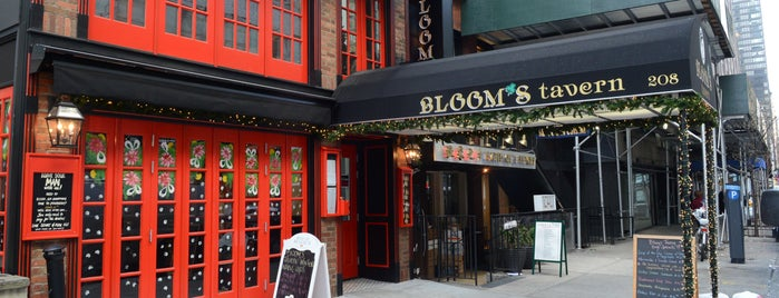 Blooms Tavern is one of New York Fire Place Bars.