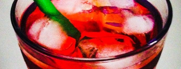 La Cueva is one of Food&Drinks.
