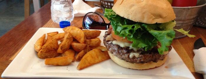 Las Huérfanas Hamburguesas & Grill is one of Restaurantes en los que he comido!!!.