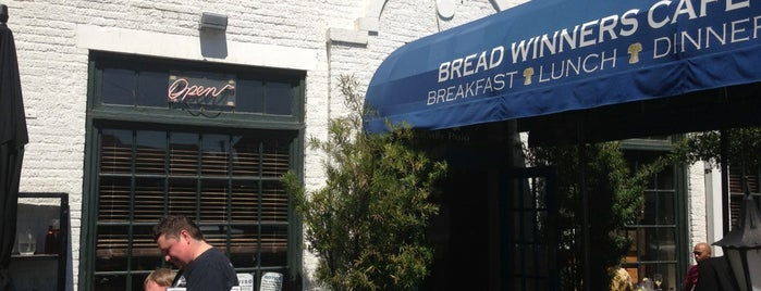 Bread Winners Café & Bakery is one of Dallas Foodie.
